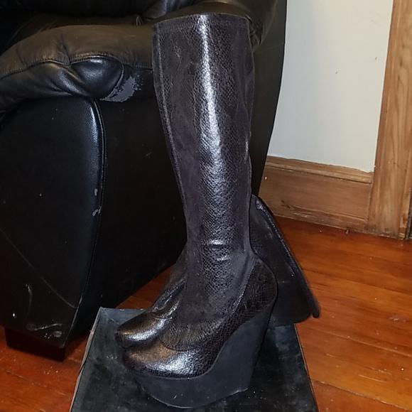 198cd89d1c9 Extreme Platform Wedge Boots